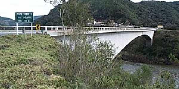 Vacaria-RS-Vista da Ponte sobre o Rio Pelotas-Foto:fotosmunivacaria