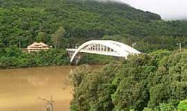 Veranópolis - Veranópolis-RS-Ponte no Rio das Antas na Rodovia RS-324-Foto:José Carminatti