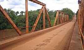 Vitória das Missões - Ponte de Ferro sobre o Rio Ijjuizinho por paulosegato