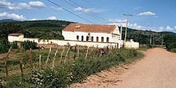 Miguel Calmon-BA-Antigo casarão do Bairro do Arroz-Foto:Alex fotografias