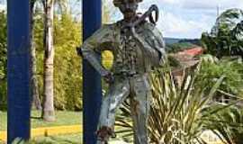 Agrolândia - Homenagem aos colonizadores por Evandro Cristofolini