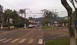 �guas de Chapec� - Avenida em �guas de Chapec�-SC-Foto:souomarcel