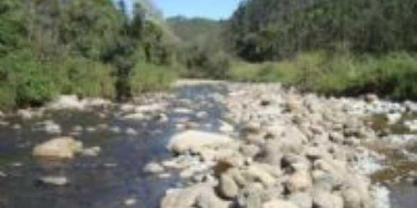 rio em aiurê, Por Maykon Jimi Machado