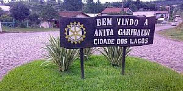Anita Garibaldi-SC-Entrada da cidade-Foto:www.cidade-brasil.com.br