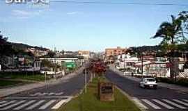 Araranguá - Av.Getulio Vargas em Araranguá-SC-Foto:Brenner W. C.