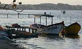 Balne�rio Barra do Sul - Barcos pesqueiros em Balne�rio Barra do Sul-SC-Foto:Celso Rene Muller
