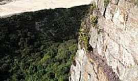 Balneário Morro dos Conventos - Vista do morro de Morro dos Conventos-Foto:Archimedes