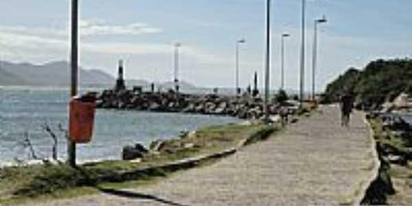 Barra da Lagoa-SC-Molhe da Barra-Foto:meusroteirosdeviagem.