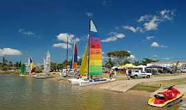 Barra Velha - Barra Velha-SC-Barcos ancorados na Lagoa-Foto:Jakson Santos
