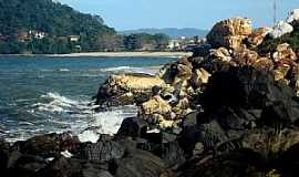 Barra Velha - Barra Velha-SC-Rochas coloridas na praia-Foto:Valmice Vieira