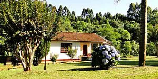 Bom Jesus do Oeste-SC-Casa em área rural-Foto:Evandro Cunha