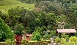 Bom Retiro - Bom Retiro-SC-Casas ao Pé do Morro-Foto:Jussara Salles