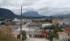 Bom Retiro - Bom Retiro-SC-Vista parcial da cidade com a serra ao fundo-Foto:clementegermanomuller.