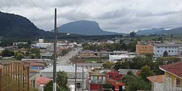 Bom Retiro-SC-Vista parcial da cidade com a serra ao fundo-Foto:clementegermanomuller.