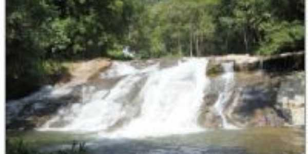 Cachoeira Venzon, Por J. P. Maçaneiro