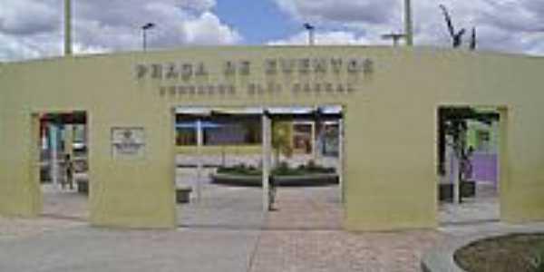 Praça de Eventos Ver.Eloi Cabral em Girau do Ponciano-Foto:Sergio Falcetti