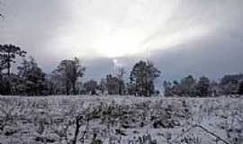 Canoinhas - Campo coberto de neve na madrugada de 23/07/2013 em Canoinhas-SC-Foto:Johnatan Fuska Leoncio