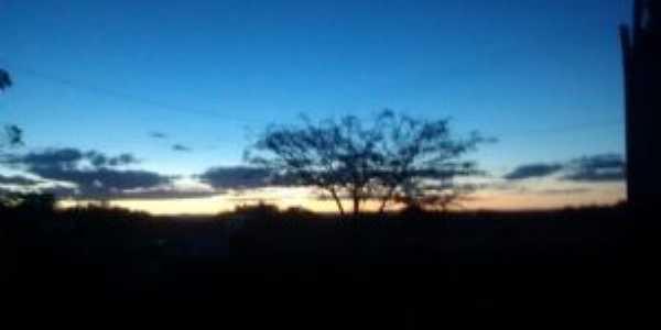 pôr-do-sol em mocambo/ibitiara-ba - foto: breno yves, Por Breno Yves Conceição Pereira