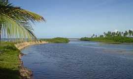 Mogiquiçaba - Mogiquiçaba-BA-Lagoa com o mar ao fundo-Foto:belmontebahia.commogiquicaba