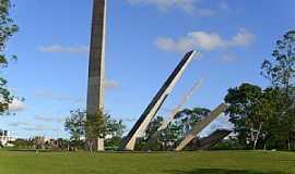 Crici�ma - Crisci�ma-SC-Monumento �s Etnias-Foto:Jos� Carminatti