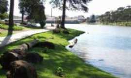 Fraiburgo - Lago e passarela no Fray, Por LUIZ AUGUSTO SABATKE