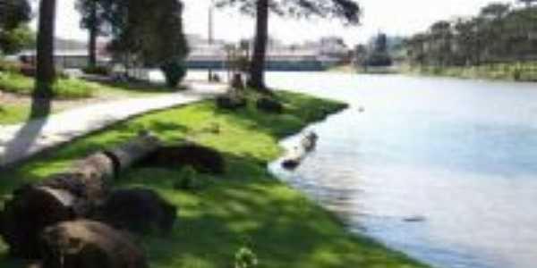 Lago e passarela no Fray, Por LUIZ AUGUSTO SABATKE