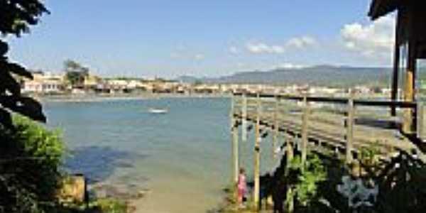 Praia central de Garopaba-SC-Foto:Henrique de BORBA
