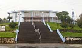 Guaraciaba - Escadaria da Matriz de N.Sra.de Fátima em Guaraciaba-SC-Foto:José Carminatti