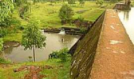 Guatambú - Vertedouro Barragem Guatambú-Foto:Ismael Fossá