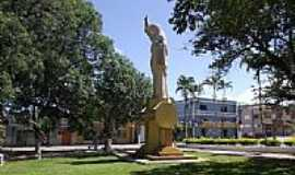 Imaruí - Estátua na Praça Central de Imaruí-SC-Foto:José Carminatti