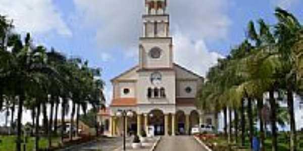 Praça e Igreja de São Luiz Gonzaga e Santa Albertina em Imaruí-SC-Foto:José Carminatti