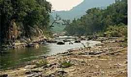 Itaiópolis - Lajes do rio Itajaí, em Itaiópolis