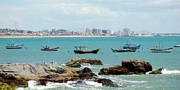 Itajubá-SC-Barcos na Praia do Grant e ao fundo a cidade-Foto:Jakson Santos