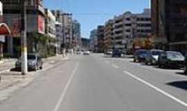 Itapema - Avenida Nereu Ramos em Itapema-Foto:Carlos C. Nasato