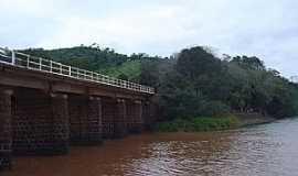 Itapiranga - Ponte sobre a foz do Rio Macaco Branco