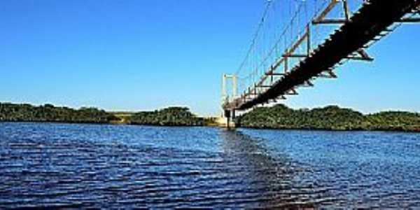 Ponte Pênsil da Barra do Itapocu