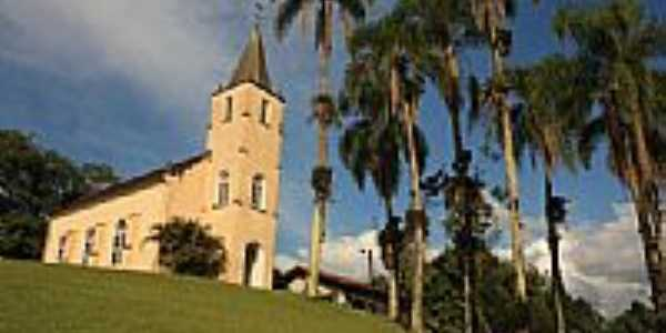 Igreja-Foto:Leo Laps
