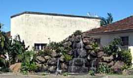 Jacinto Machado - Cachoeira Praça Central por Chikito  Tomasi