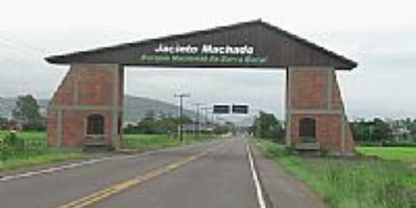 Pórtico de entrada da cidade de Jacinto Machado-SC-Foto:emersonborba