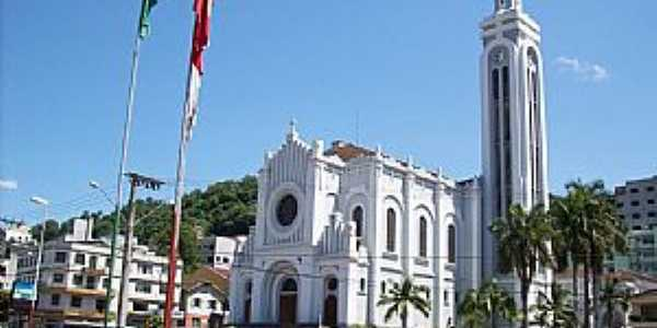 Joaçaba-SC-Paróquia de Santa Terezinha-Foto:THIAGO DAMBROS