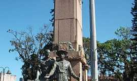 Joinville - Joinville-SC-Monumento aos Imigrantes-Foto:Gustavo Ramos Chagas