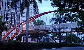 Joinville - Joinville-SC-Passarela na Av.Juscelino Kubitschek-Foto:THIAGO DAMBROS