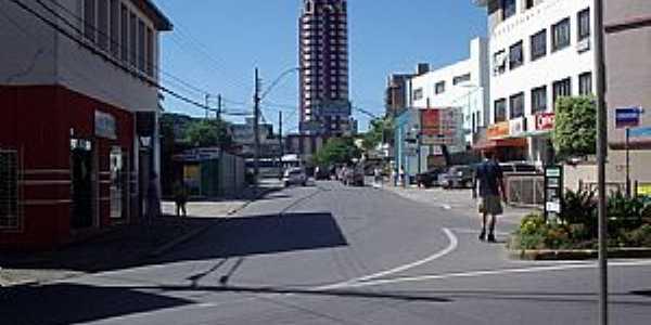 Joinville-SC-Rua Pe.Carlos-Foto:THIAGO DAMBROS