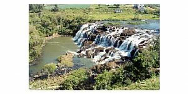 Cachoeira do Rio dos Patos em Lebon Régis - SC