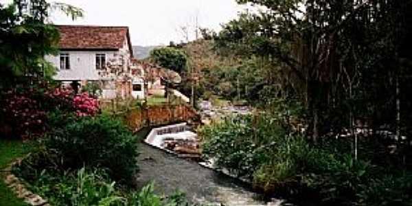 Rio Luís Alves, no Centro. Créditos: João R. Scharf