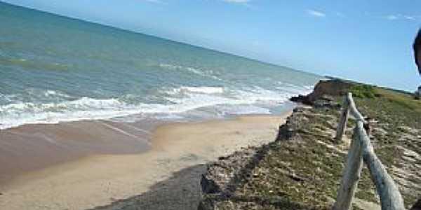 Mucuri-BA-Orla da Praia Costa Dourada-Foto:Rubens Mota