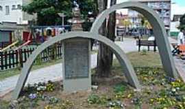 Mafra - Monumento na Praça Lauro Muller em Mafra-SC-Foto:Jair Teixeira