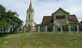 Massaranduba - Praça e Igreja em Massaranduba-SC-Foto:felpzs