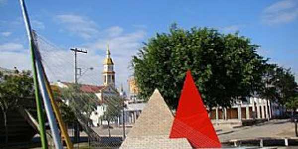 Monumento Histórico alusivo ao Centenário de Morro da Fumaça