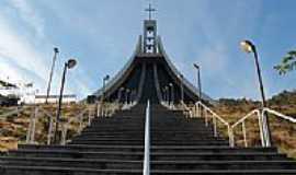 Nova Trento - Escadaria do Santuário em Nova Trento-SC-Foto:Sandro Salomon